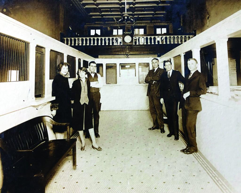 1895 Art Originallocationinteriornew Cc